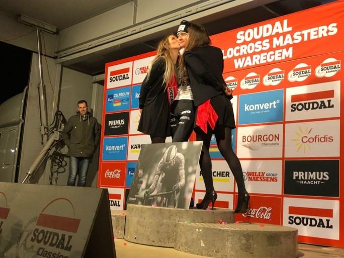 Mathieu van der Poel viert in stijl zijn 31ste zege van het seizoen op Cyclocross Masters: