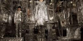 Het is al zilver wat blinkt op de catwalk bij Maison Margiela