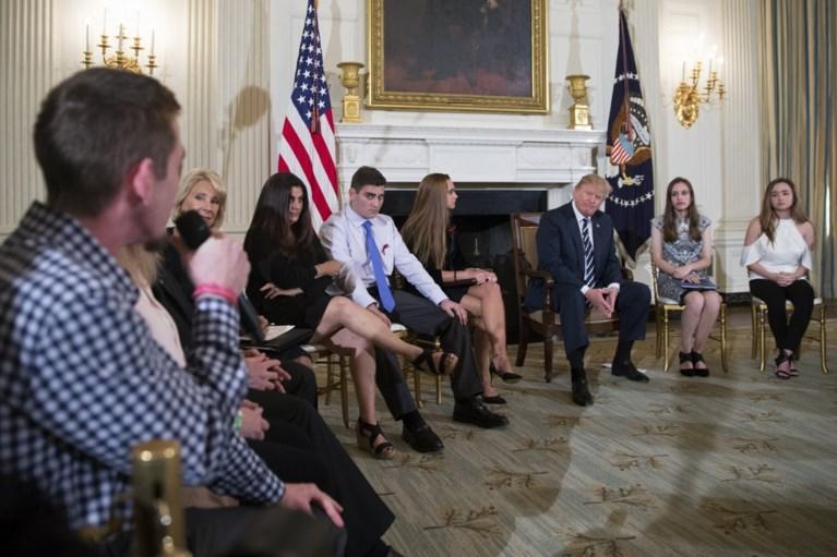 Trump pleit voor bewapening leerkrachten na schietpartij: 'We gaan iets aan deze verschrikkelijke situatie doen'