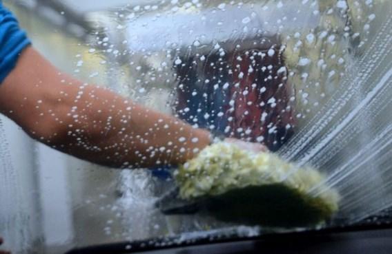 'Je auto laten wassen voor enkele euro's, dat klopt niet'
