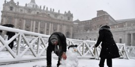 Romeinen genieten van eerste sneeuw in zes jaar