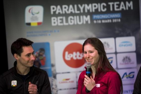 Skiester Eléonor Sana draagt de Belgische vlag voor Paralympische Winterspelen in Pyeongchang