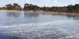 Eerste schaatsers op Kalmthoutse Heide