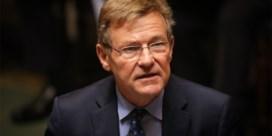 Van Overtveldt: 'Europese Commissie werkt met twee maten en twee gewichten'