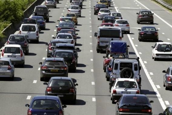 Auto verliest beetje terrein in Vlaanderen