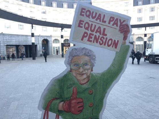 'Vrouwen krijgen 613 euro minder pensioen'