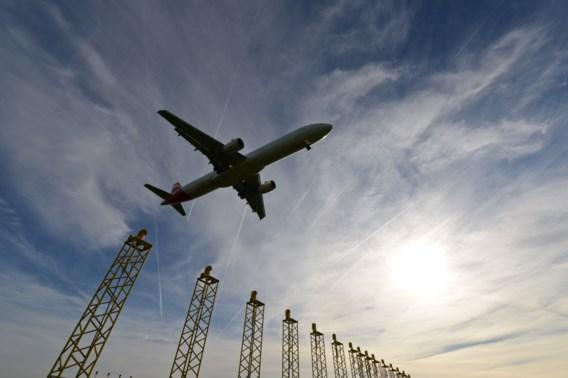 'Stop met vliegen: één reis verknalt al uw inspanningen voor het klimaat'