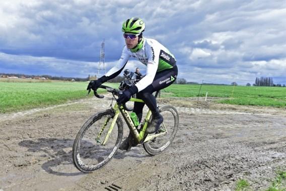 """Vermote verschijnt ondanks schouderblessure aan start Parijs-Roubaix: """"Ideaal is het niet"""""""