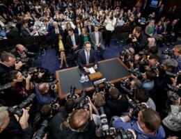 Zuckerberg met mond vol tanden bij vraag over hotel