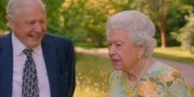 Grappende Queen gunt David Attenborough unieke kijk in koninklijke tuinen