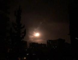 Eerste beelden van bombardementen op Syrië