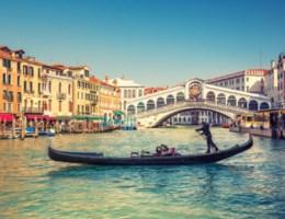 Venetië wil niet dat u nog van de Rialto-brug springt