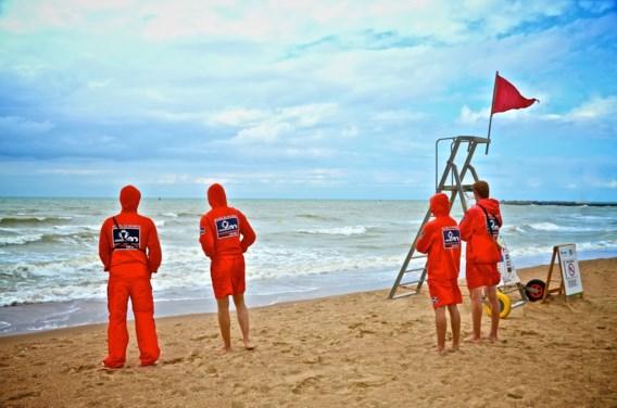 'Zwemmen in zee levensgevaarlijk dit weekend'