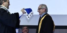 Ken Loach vlijmscherp voor premier Michel: 'Slaagde hij wel voor zijn examens?'
