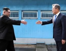 Bekijk het historische moment tussen Noord-Korea en Zuid-Korea