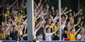 Moedige fans van Lierse zien hun club de boot in gaan op Moeskroen