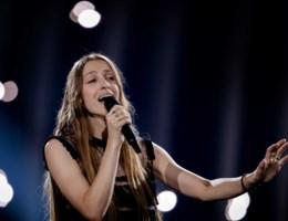 Live. Sennek vertegenwoordigt België tijdens de halve finale van het Eurovisiesongfestival