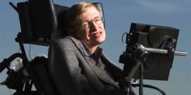'Tijdreizigers welkom op afscheid Stephen Hawking'