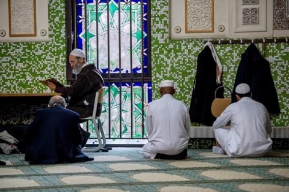 Burgemeester Brussel wil imamschool Grote Moskee enkel sluiten op verzoek van federale regering