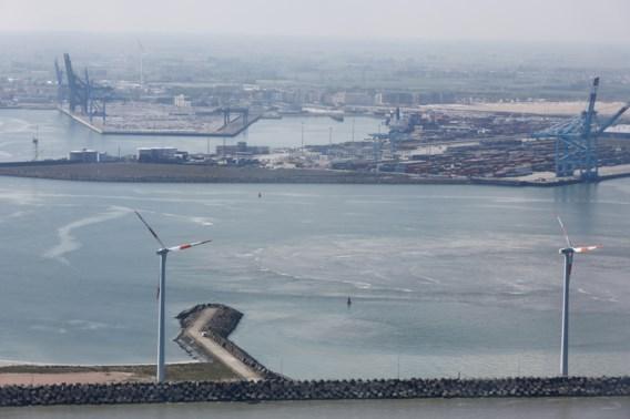 Zeiljacht komt in de problemen voor Belgische kust