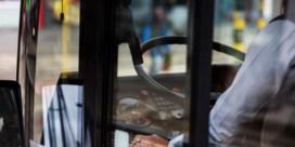 'Buschauffeurs 16 uur per dag laten werken is spelen met veiligheid van passagiers'