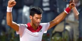 Djokovic staat voor het eerst dit seizoen in halve finales, Sharapova knokt zich bij laatste vier in Rome