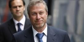 Miljardair Abramovich zit zonder geldig visum