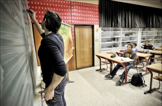 Bijna helft leerkrachten in middelbaar stopt binnen vijf jaar