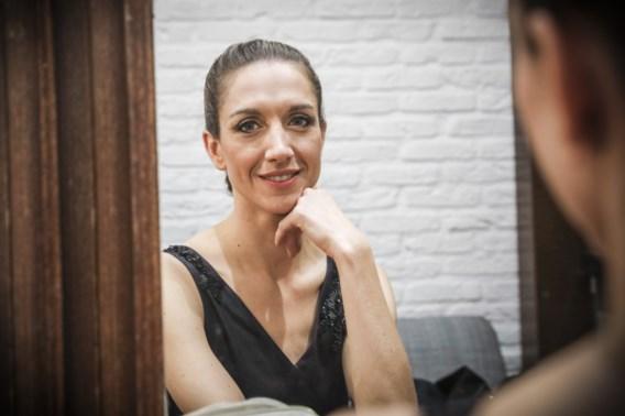 Nieuwslezeres Hanne Decoutere opgenomen in ziekenhuis