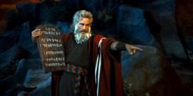 Zweren op de Bijbel, doet je niet minder liegen