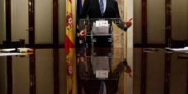 Regering-Rajoy hangt aan zijden draadje