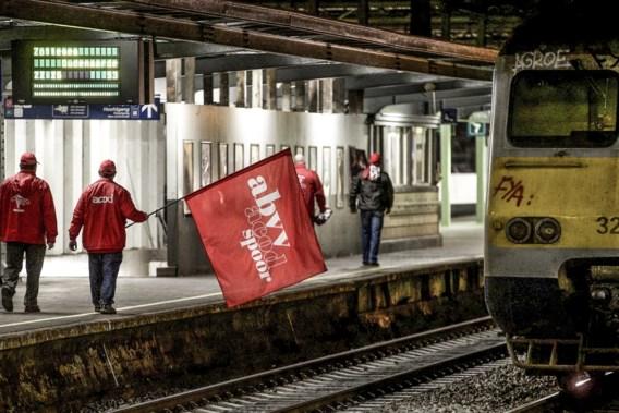 Socialistische vakbond dreigt met spoorstaking