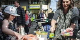 Plastic attack: 'Er worden meer dan honderd supermarkten aangedaan'