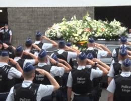 Politieagenten uit heel het land eren gedode collega's in Luik