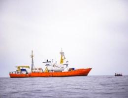 Reddingsboot met 629 vluchtelingen mag naar Valencia