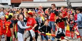 Uitzinnig van vreugde: zo vierden de supporters de doelpunten van Mertens en Lukaku