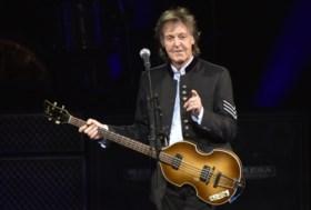 Paul McCartney bezoekt thuisstad Liverpool en verrast fans