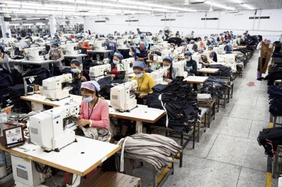 Deze vrouwen in Cambodja maken onze H&M-kleren