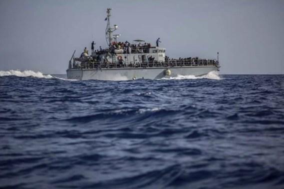 Europese Commissaris start zoektocht naar budget voor opvang migranten buiten EU