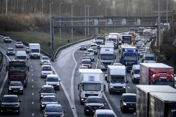 Avondspits zwaar in Antwerpen na ongeval: rijd om via Brussel