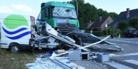 Naakte vrachtwagenchauffeur richt ravage aan in Bierbeek