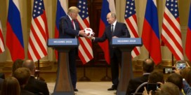 Trump gooit geschenk van Poetin naar Melania