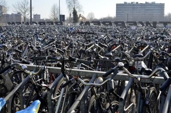 Veilige fietsenstallingen scannen fiets en A-kaart