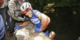 Philippe Gilbert stapt uit Tour met gebroken knieschijf na zware val