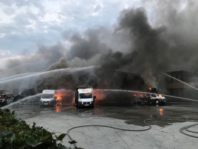 Zware brand op bedrijventerrein in Essen