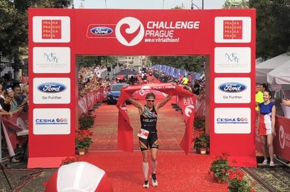 Katrien Verstuyft boekt tweede internationale zege in Ironman 70.3 Praag, derde plaats voor Pieter Heemeryck
