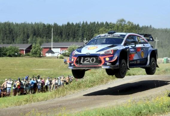 Thierry Neuville blijft ook na vijftiende klassementsproef tiende in Rally van Finland