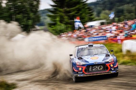 Neuville geraakt niet weg van tiende plaats in Rally van Finland, Tänak blijft leider