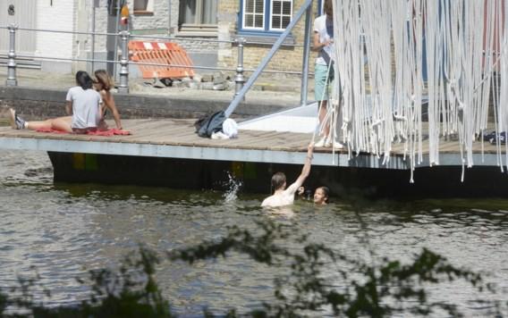 Brugge gaat strijd aan met nachtelijke zwemmers