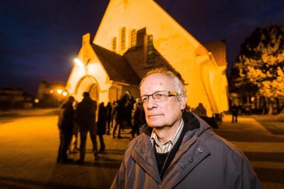 Priester met dood bedreigd voor hulp aan migranten